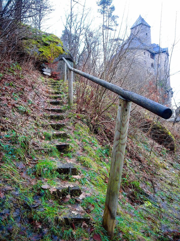 <p>An inviting trail.<br /></p>