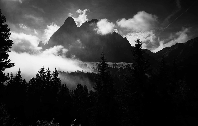 <p>A view of the Sas de Pütia / Peitlerkofel peak from a bit down-valley. </p>