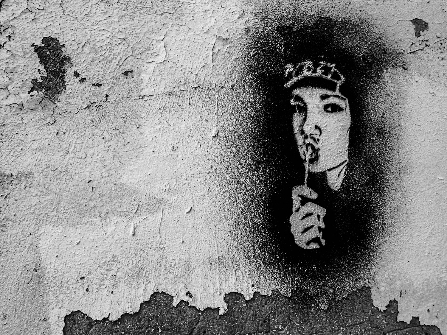 <p>A stencil in Moscow.</p>