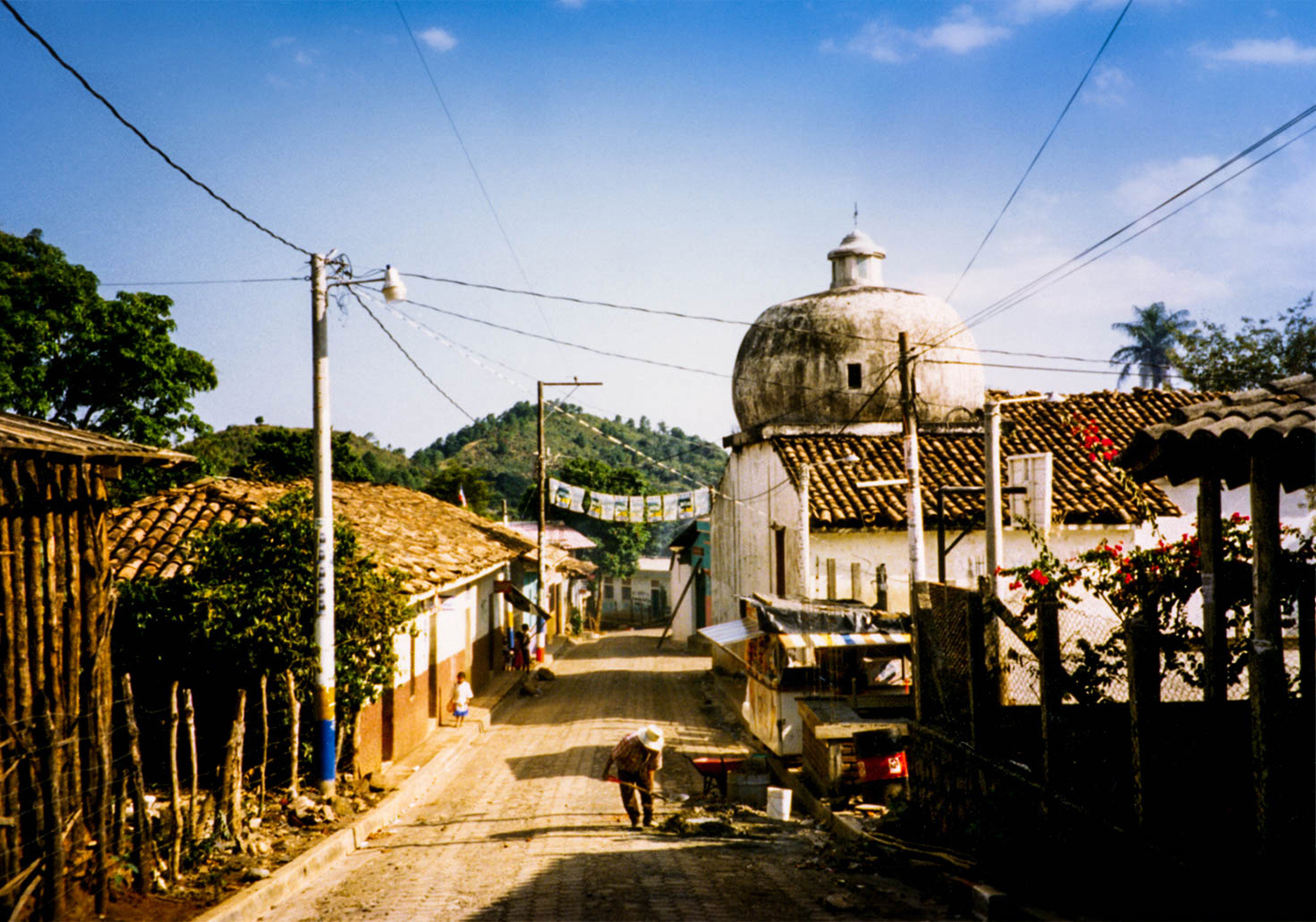 <p>Perquín, a town in the Morazán department of El Salvador, was a key stronghold of the FMLN guerrillas during the Salvadoran civil war of the 1980s. Today it hosts a museum dedicated to their revolutionary efforts.</p>